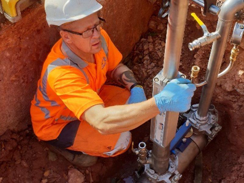 Under pressure drilling - water main